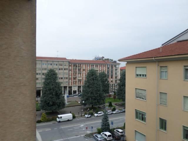 Appartamento in buone condizioni arredato in affitto Rif. 6876278