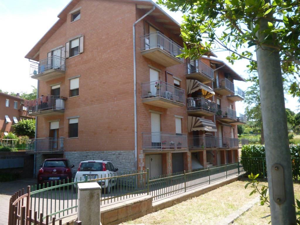 Appartamento in buone condizioni arredato in vendita Rif. 8962719