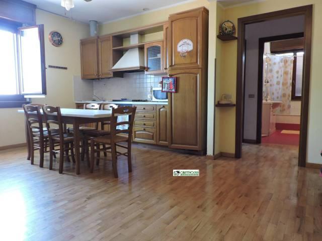 Appartamento in buone condizioni arredato in vendita Rif. 6875528