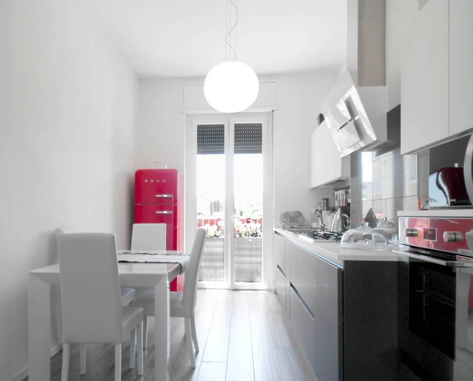 Appartamento in ottime condizioni arredato in affitto Rif. 6887648