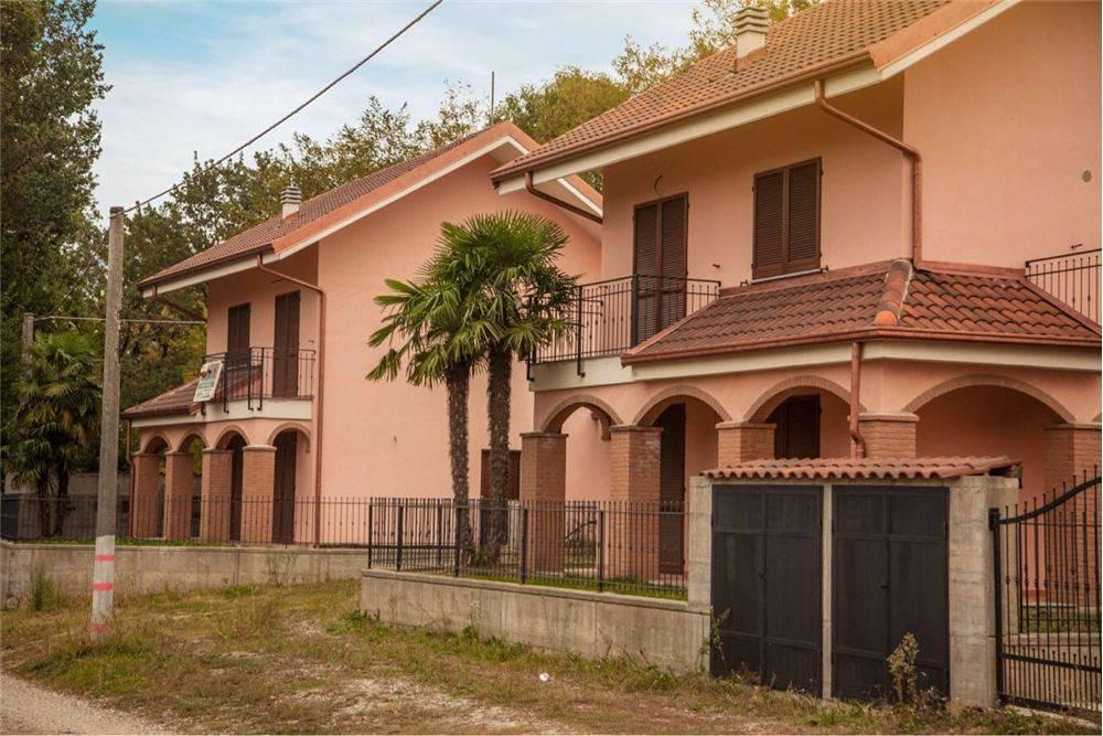 Villa in vendita strada dei Comuni , 2 Caselette