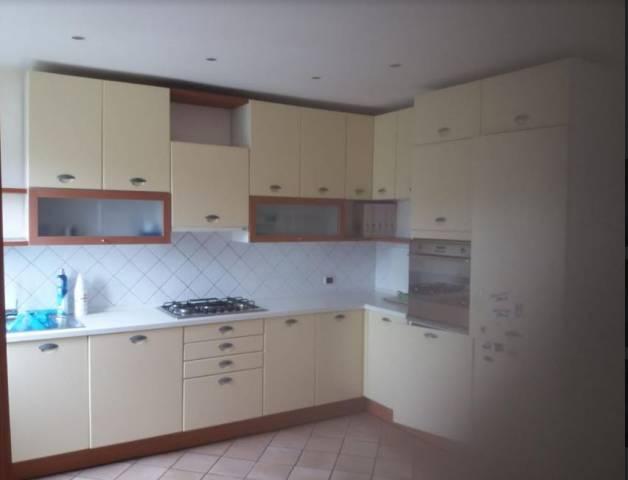 Appartamento in buone condizioni in affitto Rif. 6891233