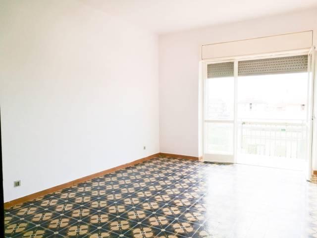 Appartamento in buone condizioni in affitto Rif. 6891228