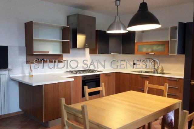 Appartamento in ottime condizioni arredato in vendita Rif. 6890195