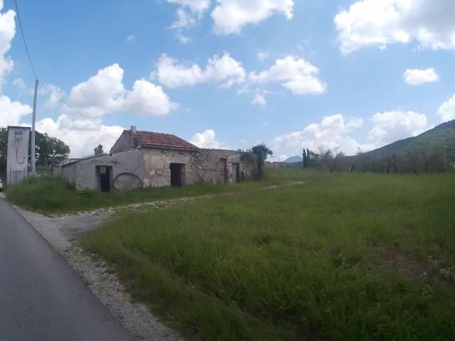Rustico / Casale da ristrutturare in vendita Rif. 6887558