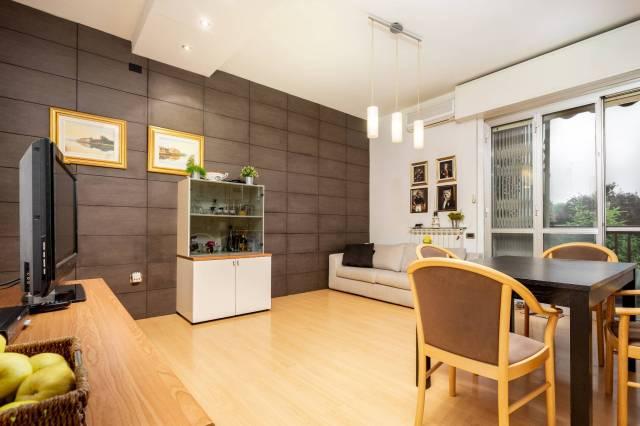 Appartamento in ottime condizioni in vendita Rif. 6887560
