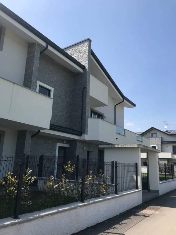 Appartamento in ottime condizioni in vendita Rif. 6890179