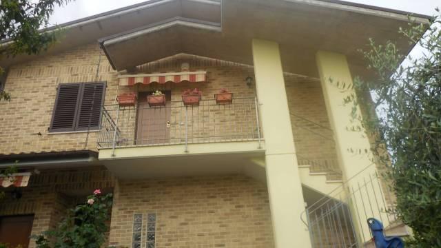 Appartamento in ottime condizioni in vendita Rif. 6887632