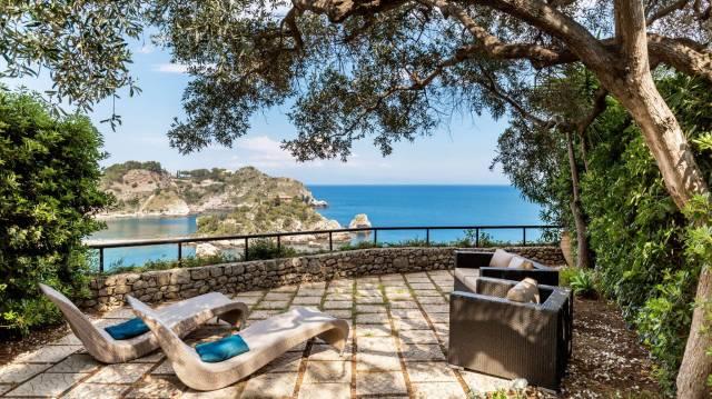 Isola Bella, Esclusivo appartamento con piscina fronte mare