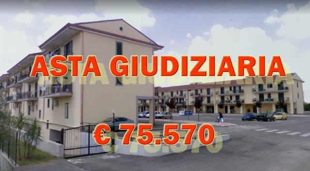 Appartamento in buone condizioni in vendita Rif. 6889514