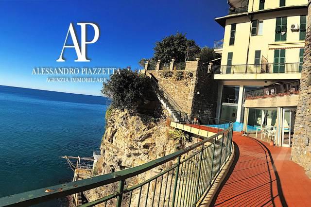 Monolocale sul mare a Pieve Ligure con piscina e parcheggio