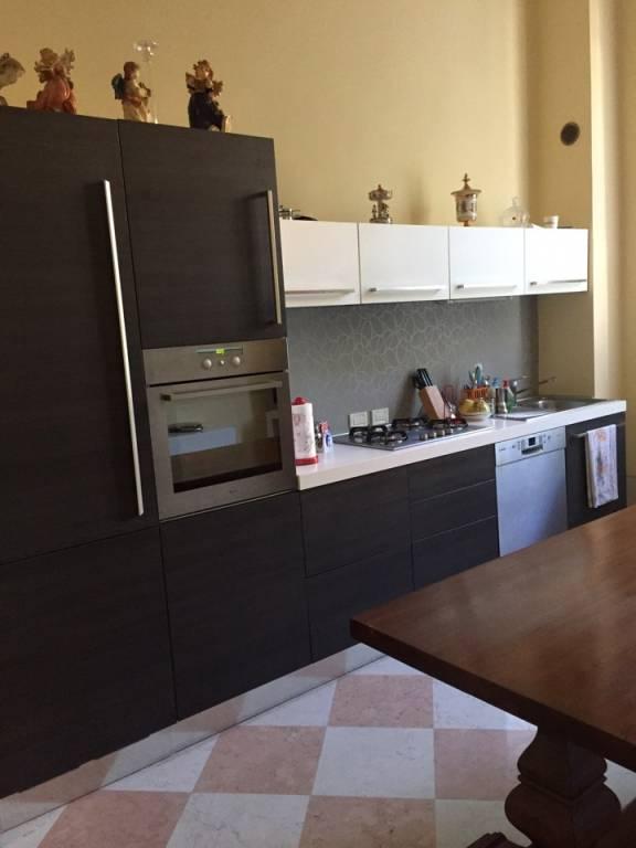 Appartamento in ottime condizioni in affitto Rif. 6910421