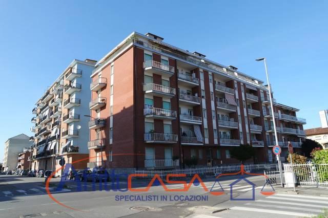 Appartamento in buone condizioni in affitto Rif. 6910261