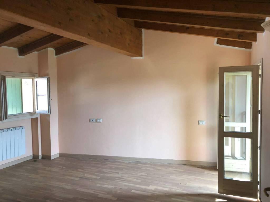 Appartamento in affitto a Corzano, 2 locali, prezzo € 380 | CambioCasa.it