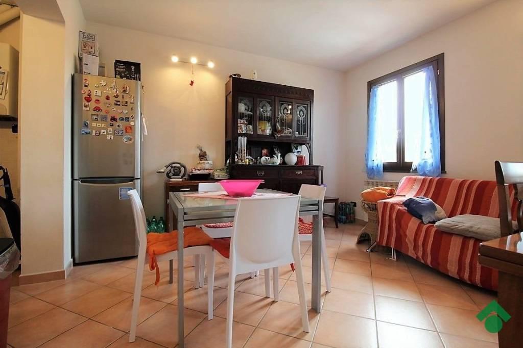 Appartamento in ottime condizioni in vendita Rif. 9317904