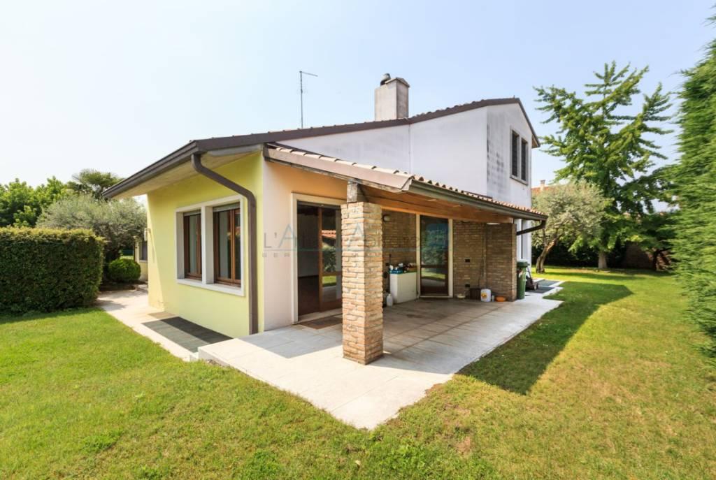 Villa 6 locali in vendita a San Giovanni Lupatoto (VR)