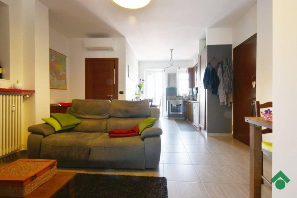 Appartamento in ottime condizioni in vendita Rif. 9435864