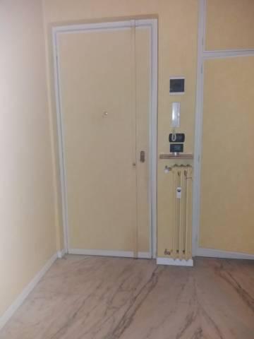 Appartamento in buone condizioni in affitto Rif. 6907852