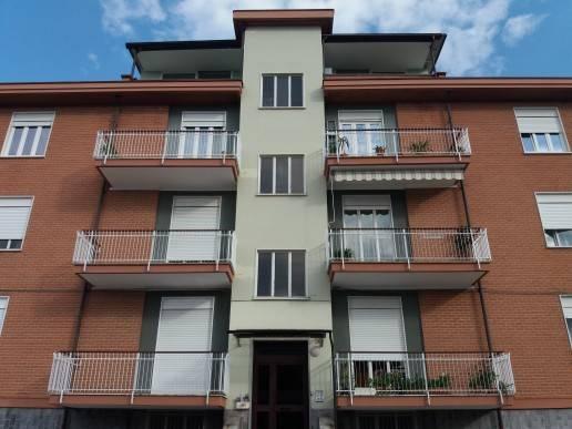 Appartamento in ottime condizioni in affitto Rif. 6907853
