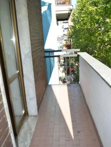 Appartamento in buone condizioni arredato in affitto Rif. 7335967