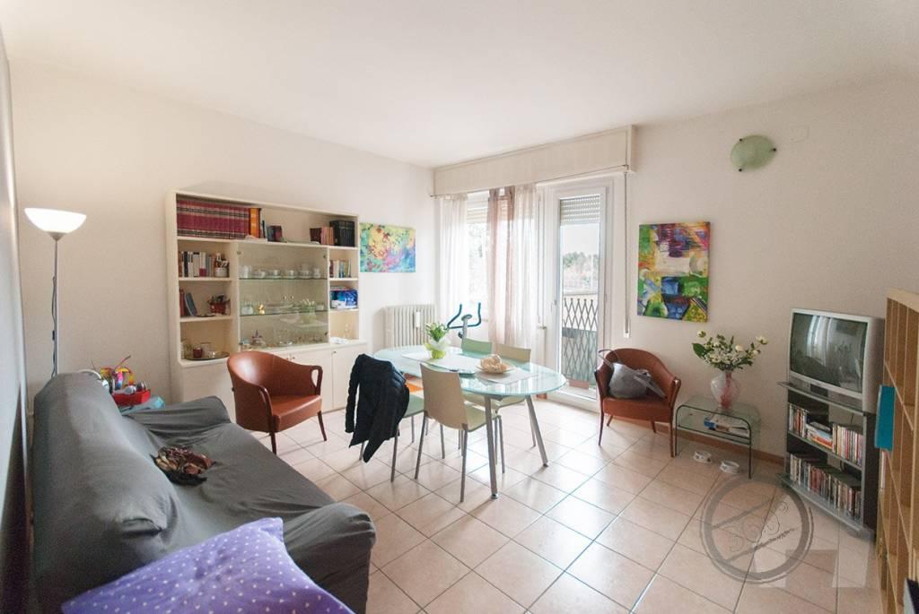 Appartamento 6 locali in vendita a Pesaro (PU)