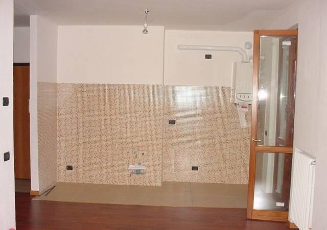 Appartamento in ottime condizioni in affitto Rif. 6947433