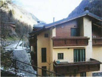 Appartamento in buone condizioni arredato in vendita Rif. 6922183