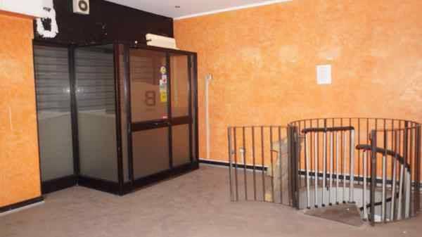 Negozio / Locale in vendita a Cologno Monzese, 2 locali, prezzo € 65.000 | CambioCasa.it