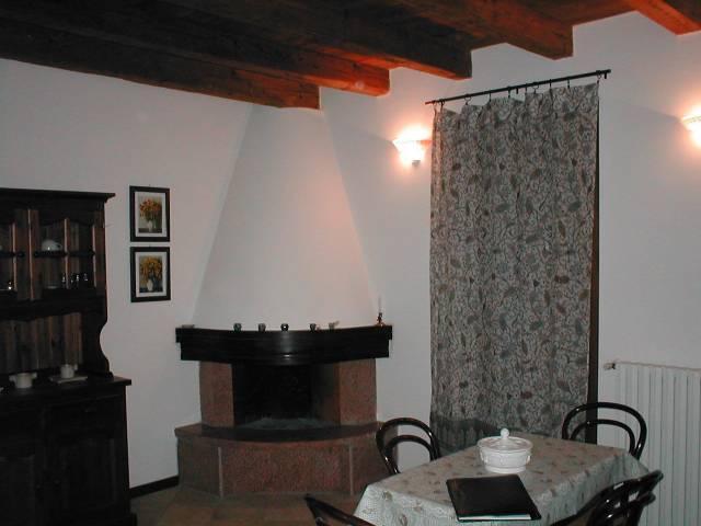 Appartamento in ottime condizioni arredato in affitto Rif. 6906369