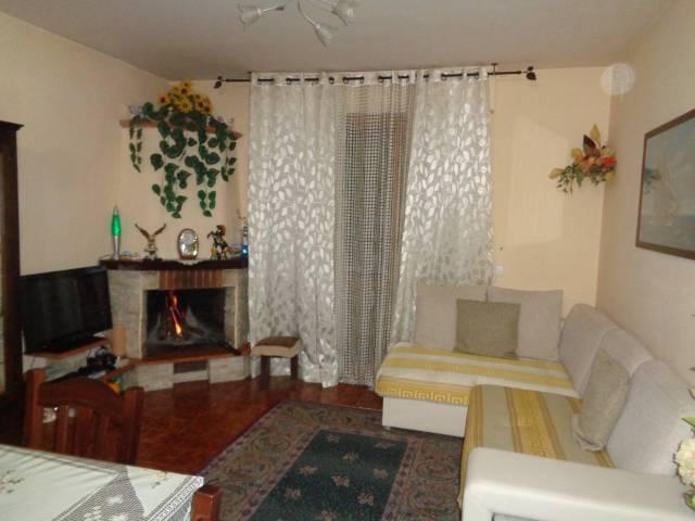 Appartamento in buone condizioni in vendita Rif. 6905587