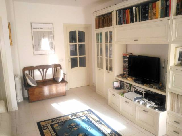 Appartamento in ottime condizioni parzialmente arredato in vendita Rif. 6916761