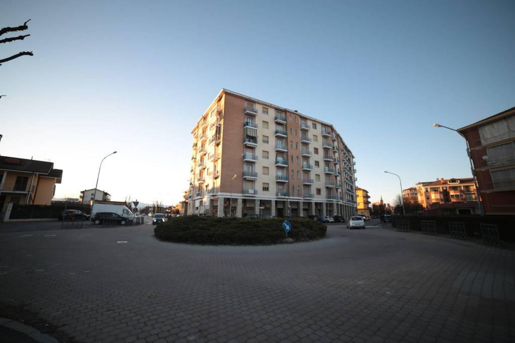 Appartamento in buone condizioni in vendita Rif. 8495267
