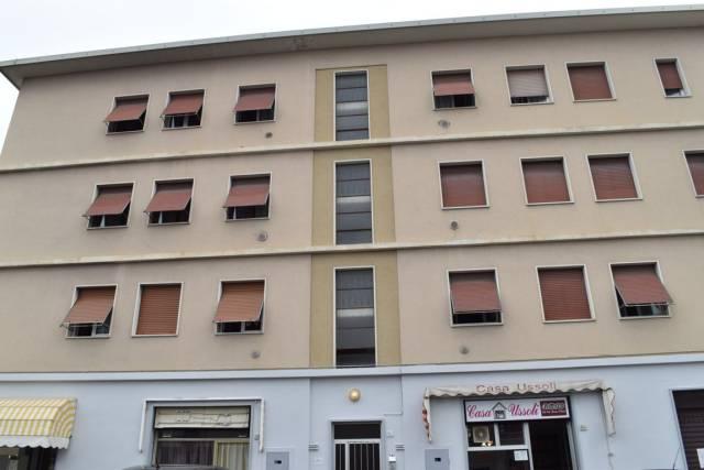 Appartamento in buone condizioni in vendita Rif. 6918874