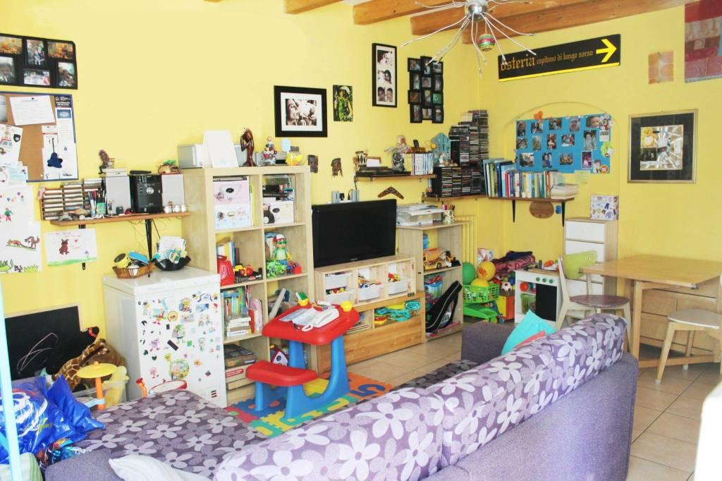 Appartamento in ottime condizioni in vendita Rif. 6919553