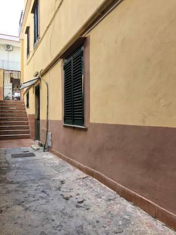 Appartamento da ristrutturare in vendita Rif. 6916848