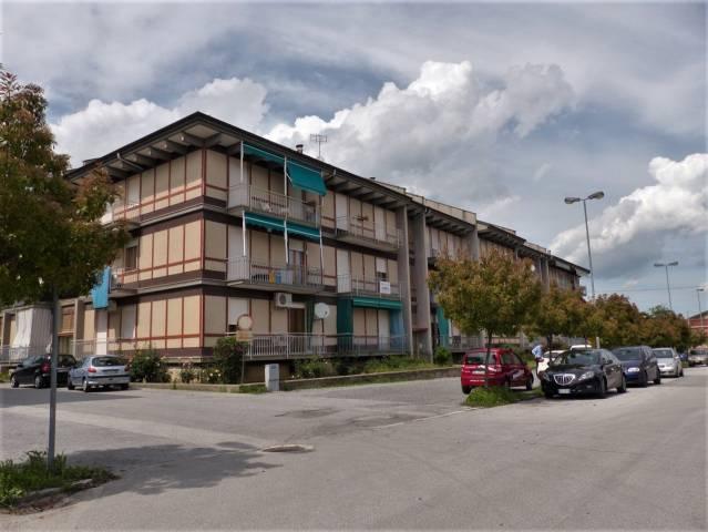 Appartamento da ristrutturare in vendita Rif. 6923174