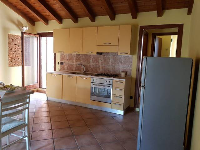 Appartamento in ottime condizioni arredato in vendita Rif. 6919239