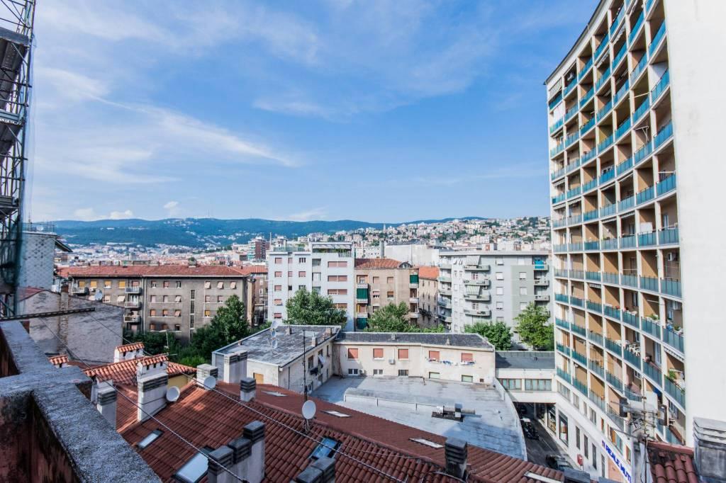 Soluzione Indipendente in vendita a Trieste, 6 locali, prezzo € 145.000 | CambioCasa.it