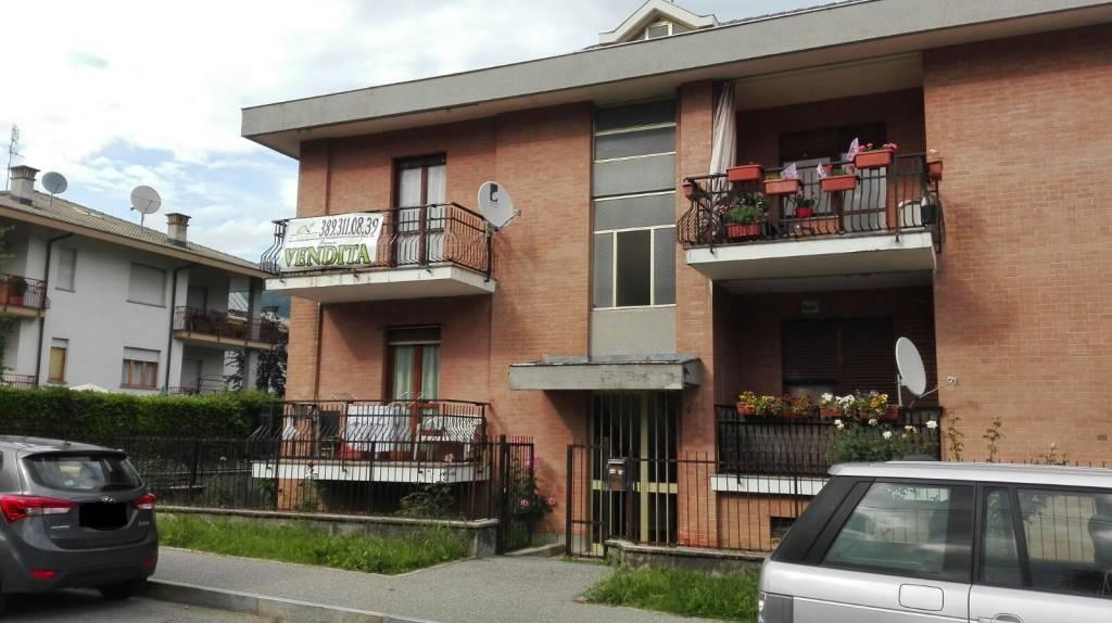 Appartamento in buone condizioni arredato in vendita Rif. 6923117