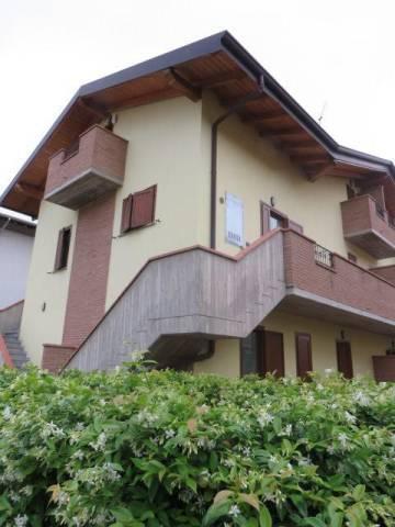 Appartamento in buone condizioni in vendita Rif. 6918790