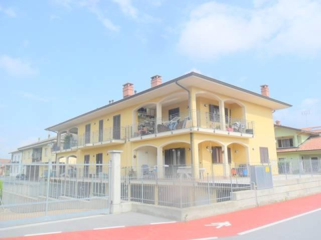 Appartamento in ottime condizioni in vendita Rif. 6919468