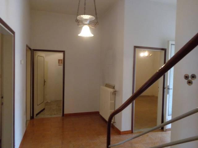 Villa da ristrutturare in vendita