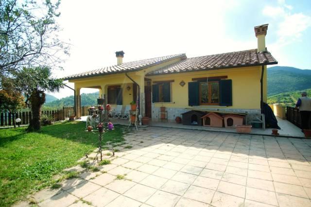 Mompeo (RI) Splendida villa di recente costruzione