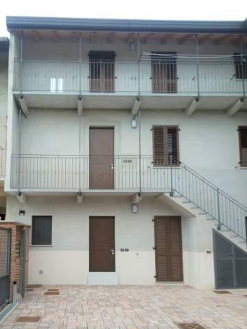 Appartamento in ottime condizioni in vendita Rif. 6916671