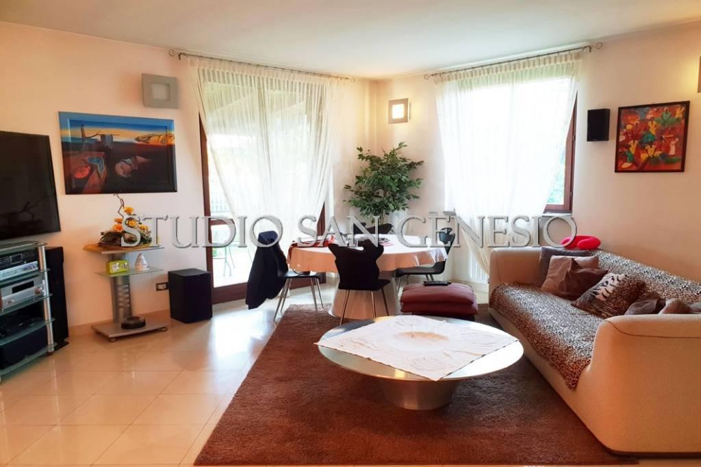 Villa in vendita a Vellezzo Bellini, 5 locali, prezzo € 258.000 | CambioCasa.it