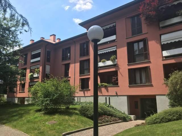 Appartamento in buone condizioni in vendita Rif. 6933784