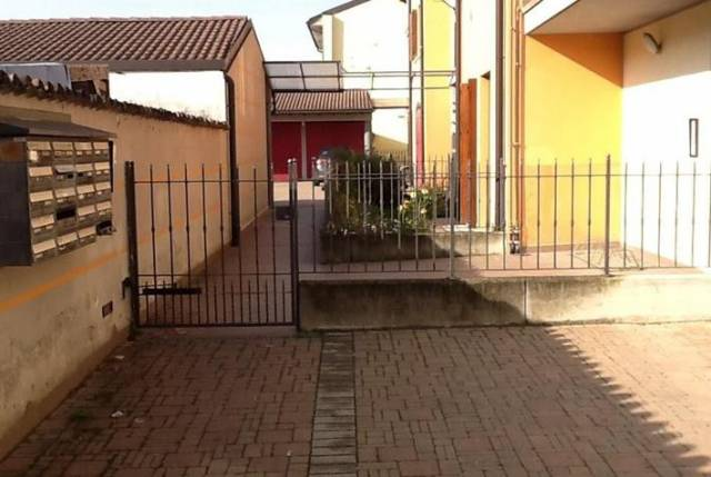 Appartamento in buone condizioni in vendita Rif. 6922055