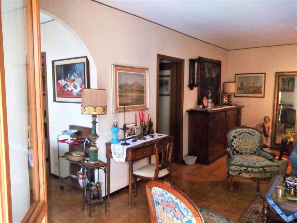 Appartamento in vendita a Casteggio, 3 locali, prezzo € 89.000 | CambioCasa.it