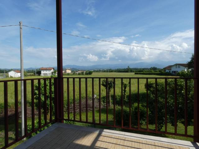 Appartamento in buone condizioni in vendita Rif. 6920819