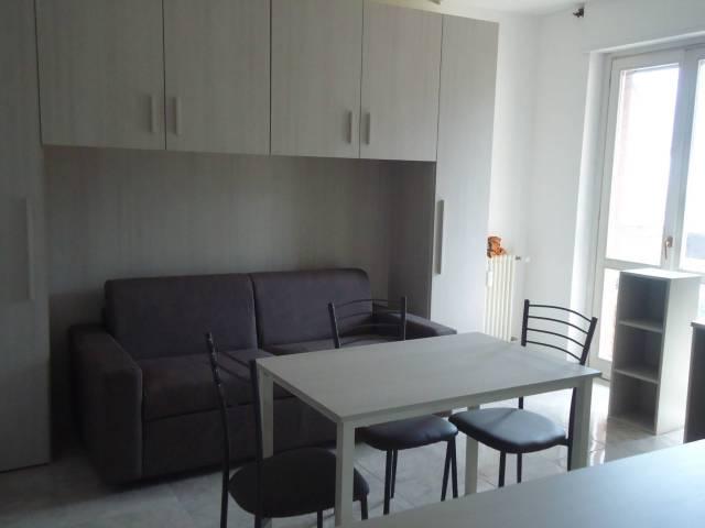 Appartamento in ottime condizioni arredato in affitto Rif. 6919882